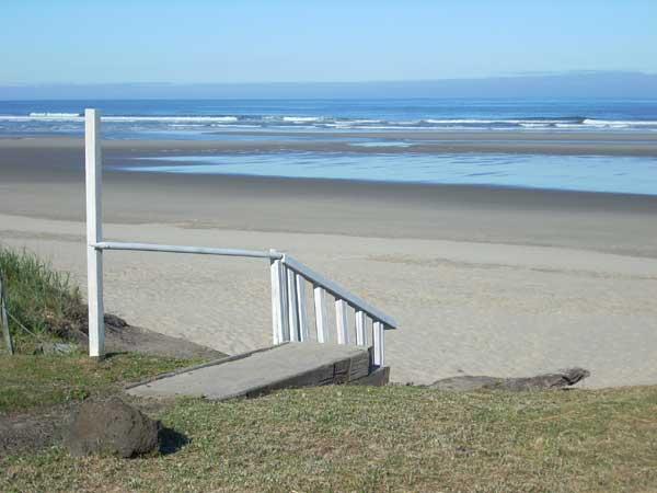 Walking the beach northward